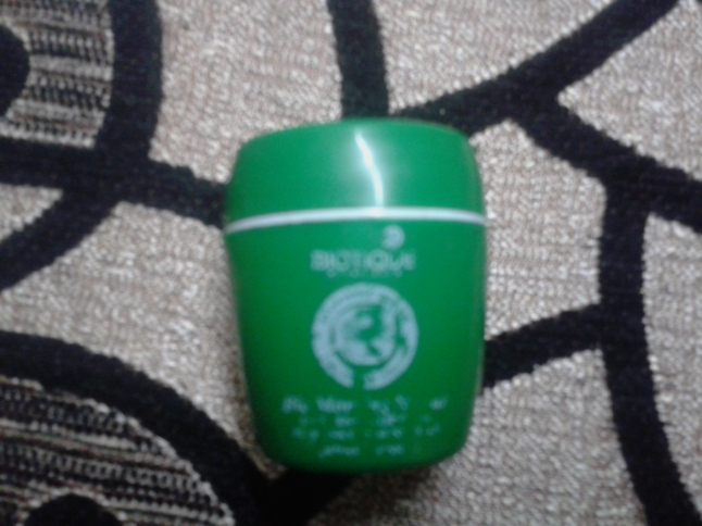 Biotique_Lip Balm_glowinghalo